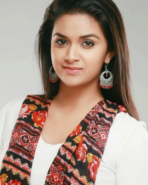 Cute Keerthi Suresh HD Photos Pic For Dp