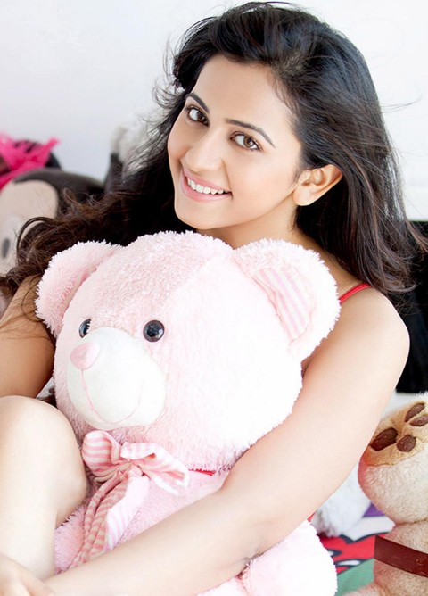 Cute Rakul Preet Singh Wallpaper