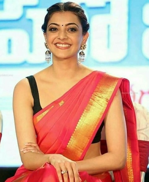 Kajal Agarwal Images Photo In Red Saree
