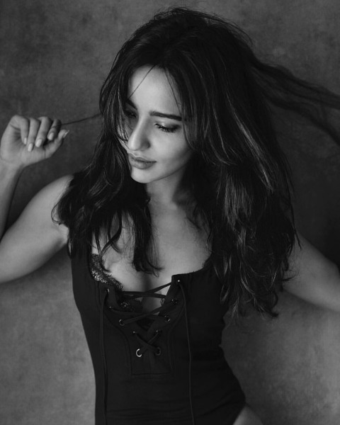 Neha Sharma Wallpapers Images Photos Download