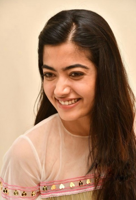 Real Face Rashmika Mandanna Wallpapers