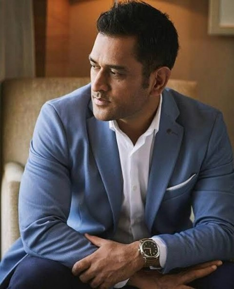 Stylish MS Dhoni Wallpapers Photos