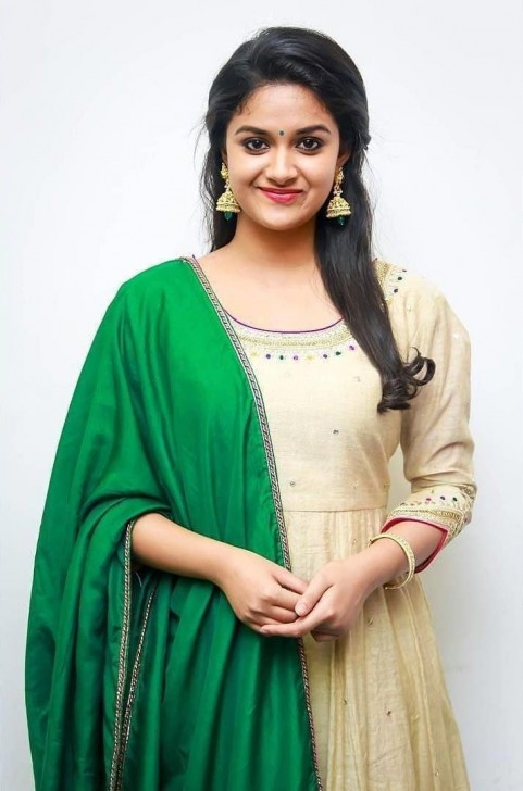 Suit Keerthi Suresh HD Images Pic